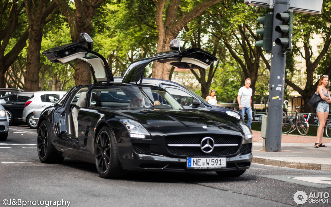 mercedes benz sls amg gt 9 july 2017 autogespot. Black Bedroom Furniture Sets. Home Design Ideas