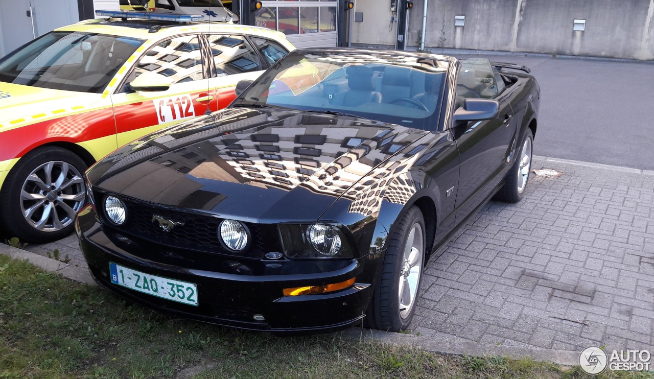 ford mustang gt convertible 12 july 2017 autogespot. Black Bedroom Furniture Sets. Home Design Ideas