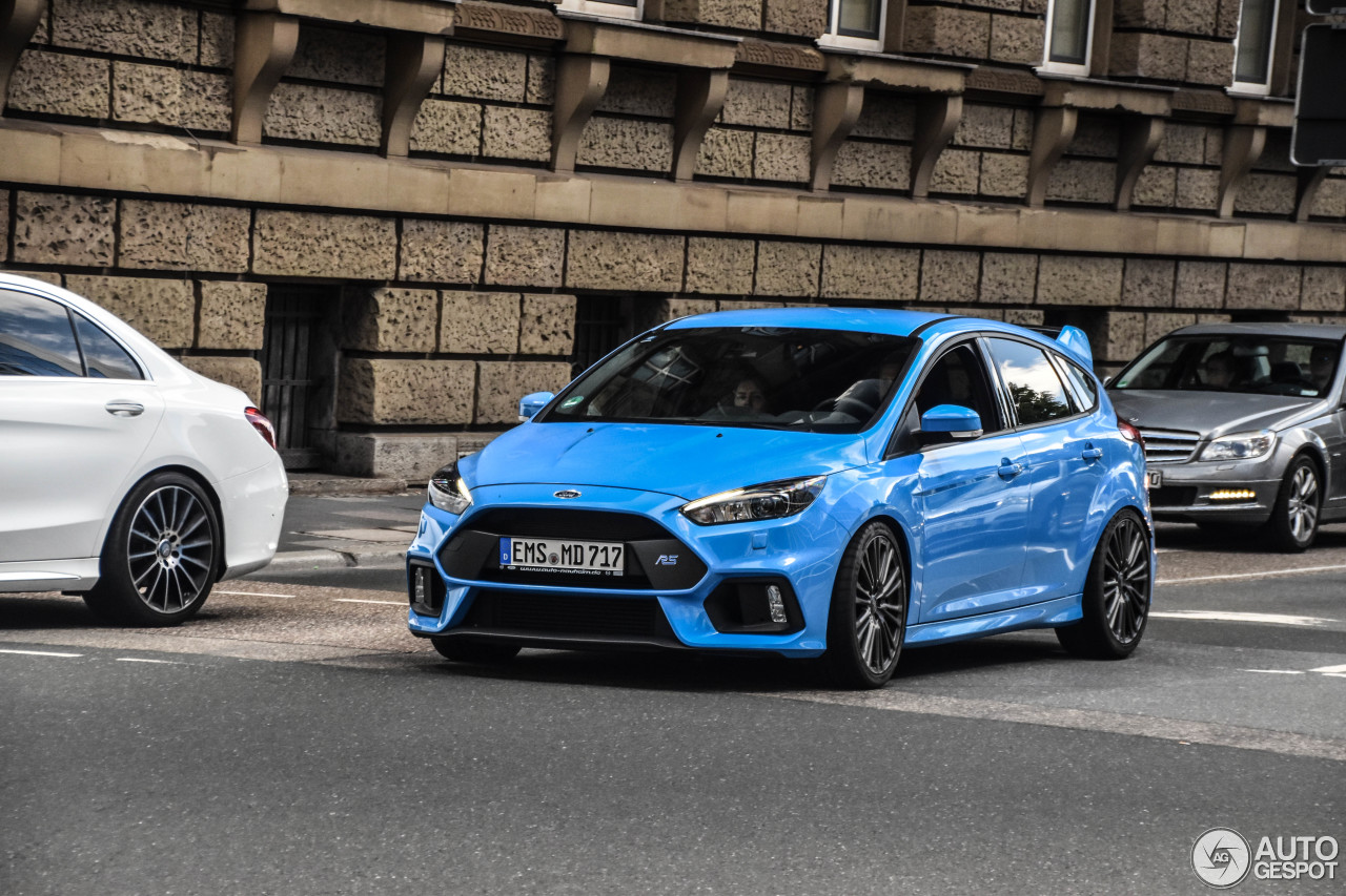 ford focus rs 2015 13 july 2017 autogespot. Black Bedroom Furniture Sets. Home Design Ideas