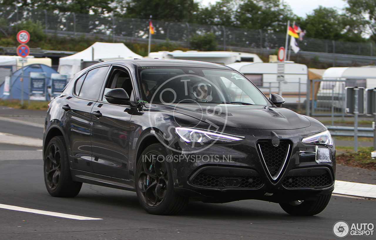 alfa romeo stelvio quadrifoglio 14 juillet 2017 autogespot. Black Bedroom Furniture Sets. Home Design Ideas