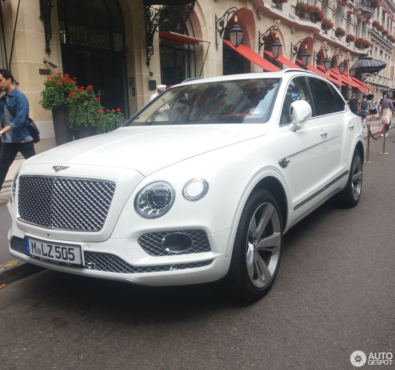 Bentley Bentayga: Bentley Bentayga
