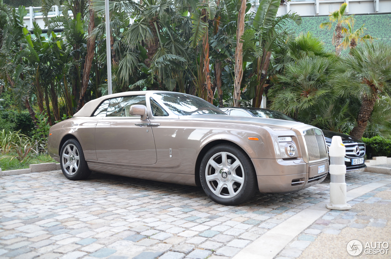 rolls royce phantom drophead coup 18 july 2017 autogespot. Black Bedroom Furniture Sets. Home Design Ideas