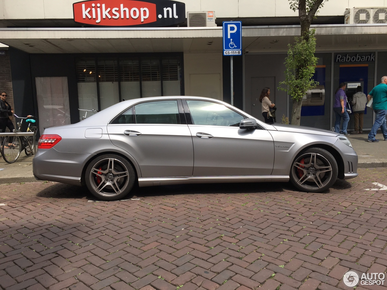 mercedes benz e 63 amg w212 v8 biturbo 29 july 2017 autogespot. Black Bedroom Furniture Sets. Home Design Ideas