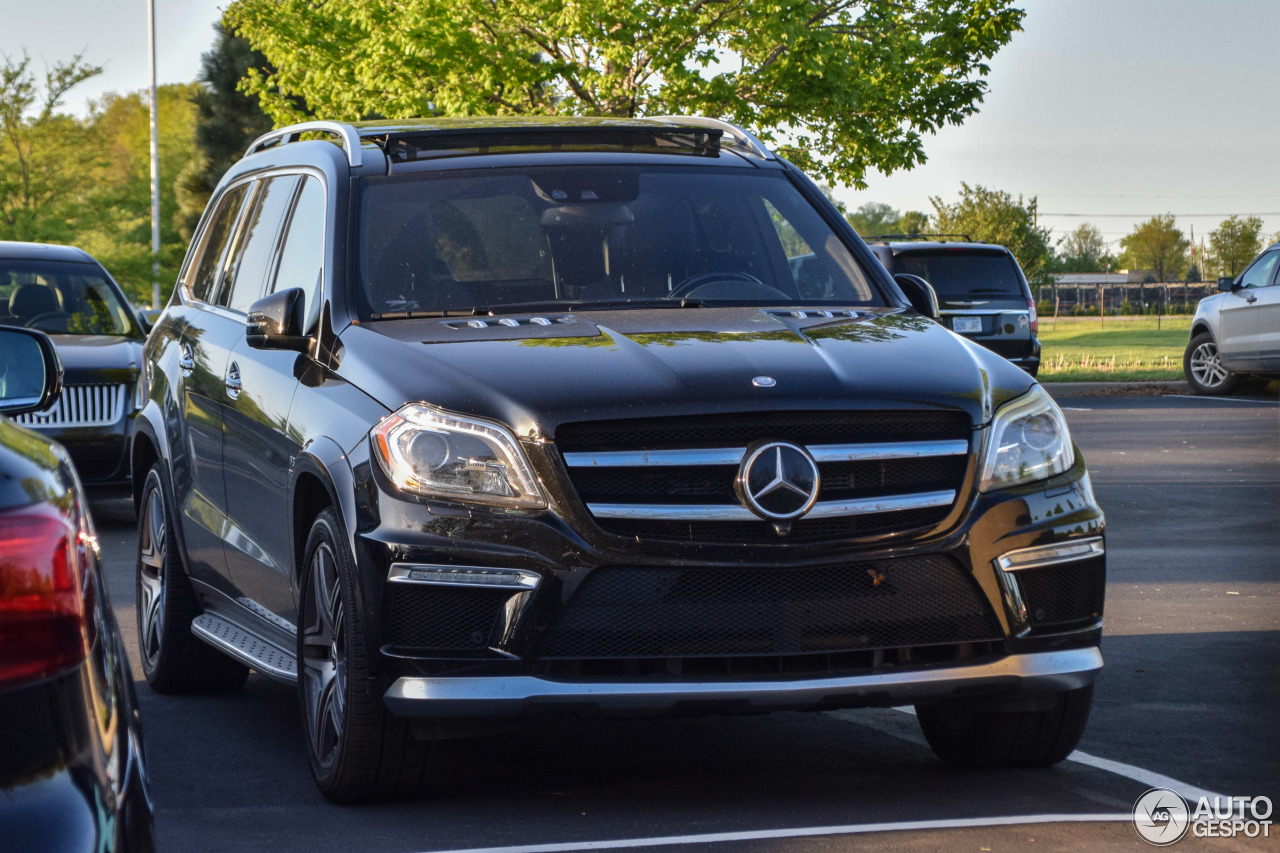 Mercedes benz gl 63 amg x166 2 august 2017 autogespot for 2017 mercedes benz gl450