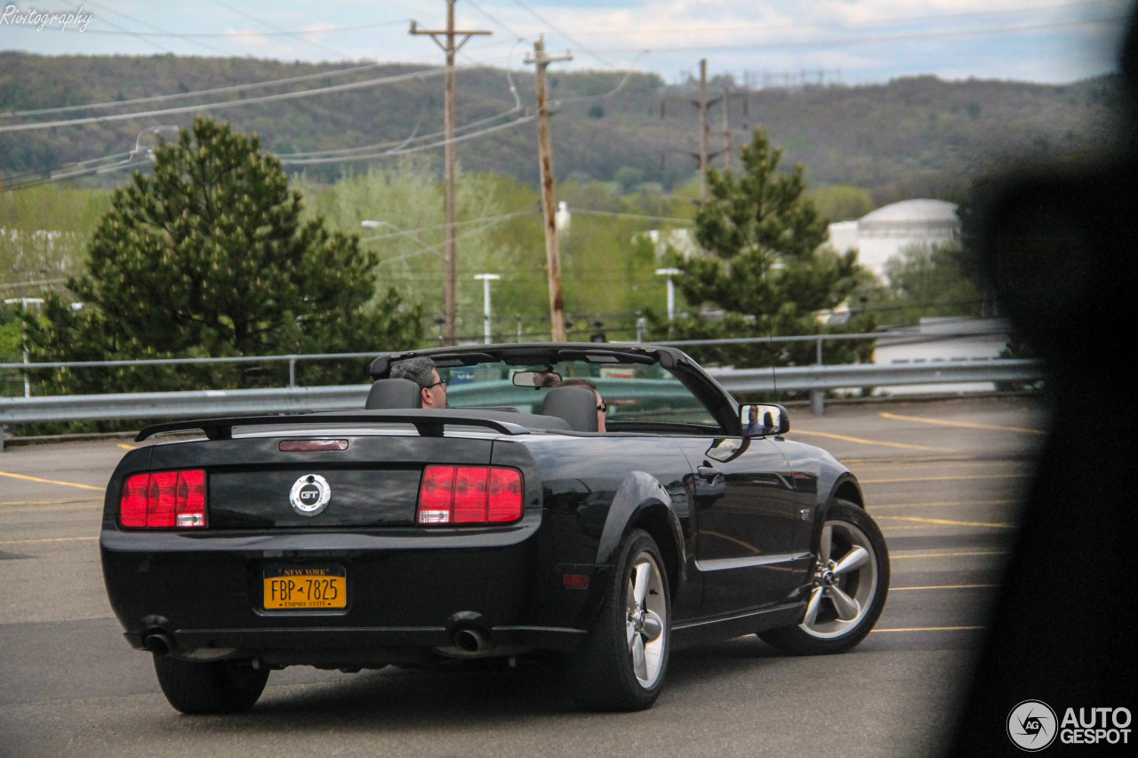 ford mustang gt convertible 4 august 2017 autogespot. Black Bedroom Furniture Sets. Home Design Ideas