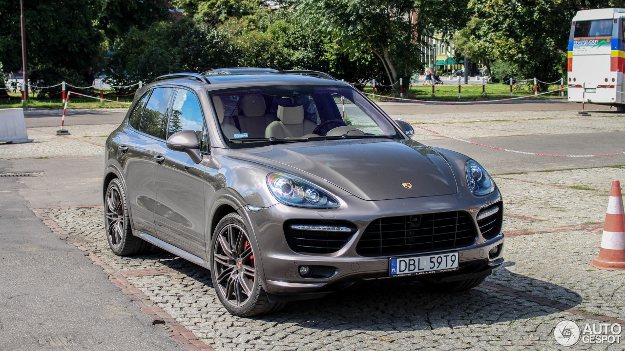 porsche 958 cayenne gts 6 august 2017 autogespot. Black Bedroom Furniture Sets. Home Design Ideas