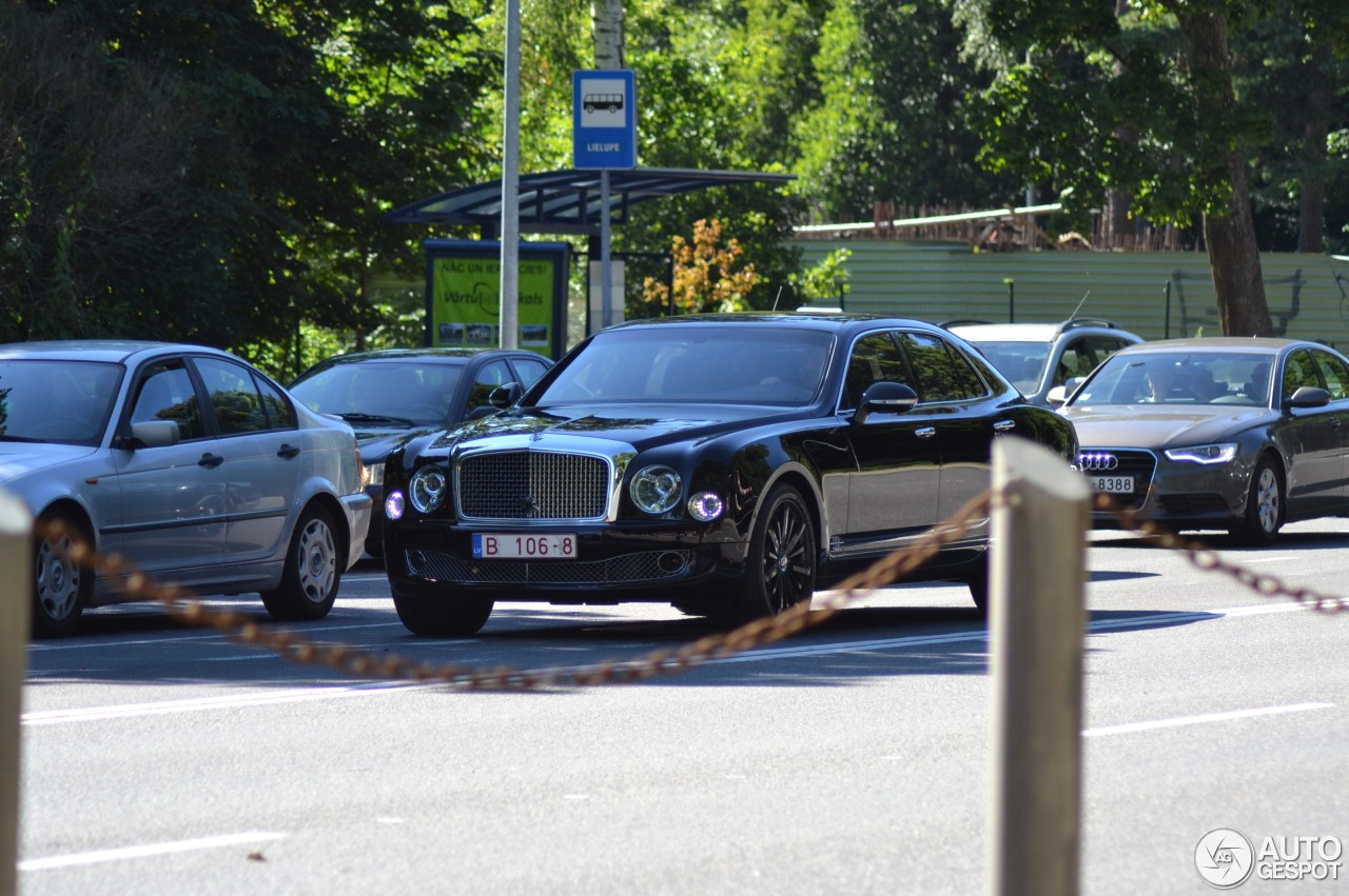 Bentley mulsanne speed blue train edition 8 august 2017 autogespot 7 i bentley mulsanne speed blue train edition 7 vanachro Images