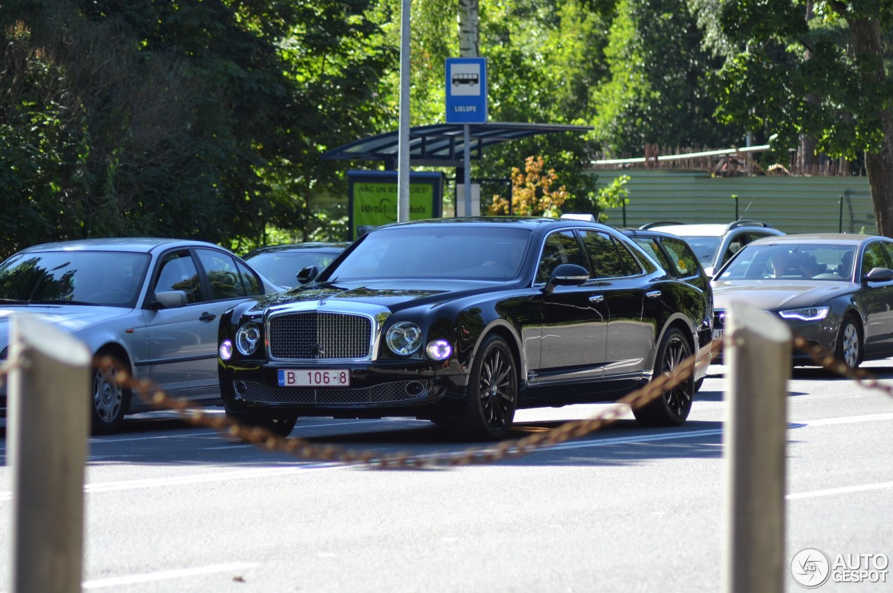Bentley mulsanne speed blue train edition 8 august 2017 autogespot 8 i bentley mulsanne speed blue train edition 8 vanachro Images
