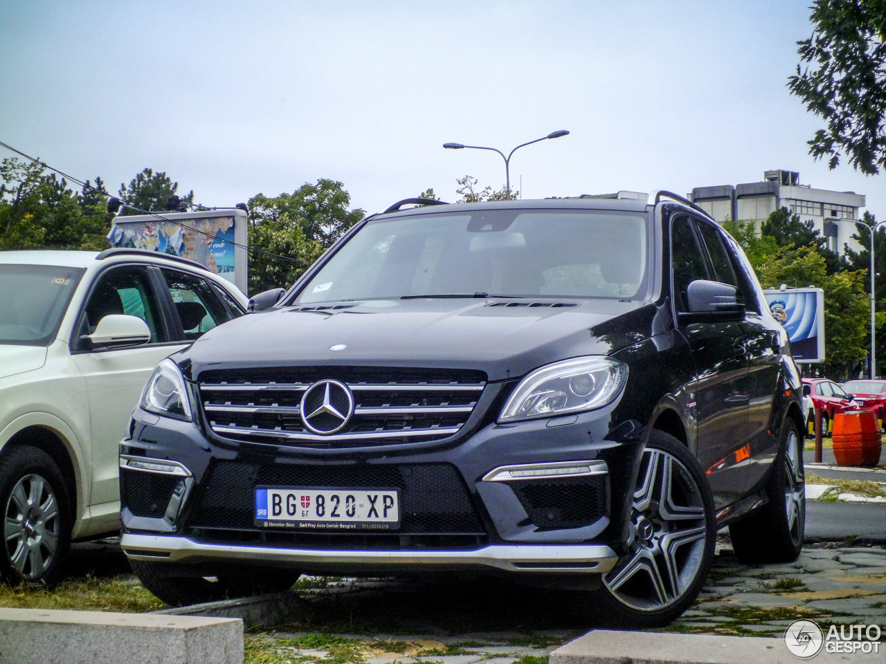 Mercedes benz ml 63 amg w166 14 august 2017 autogespot for Mercedes benz ml63 amg 2017