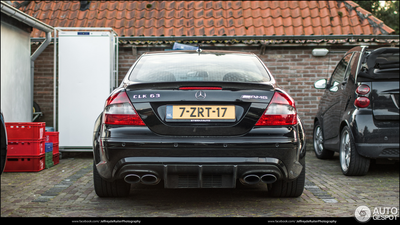 Mercedes benz clk 63 amg black series 16 august 2017 for Mercedes benz clk63 amg black series