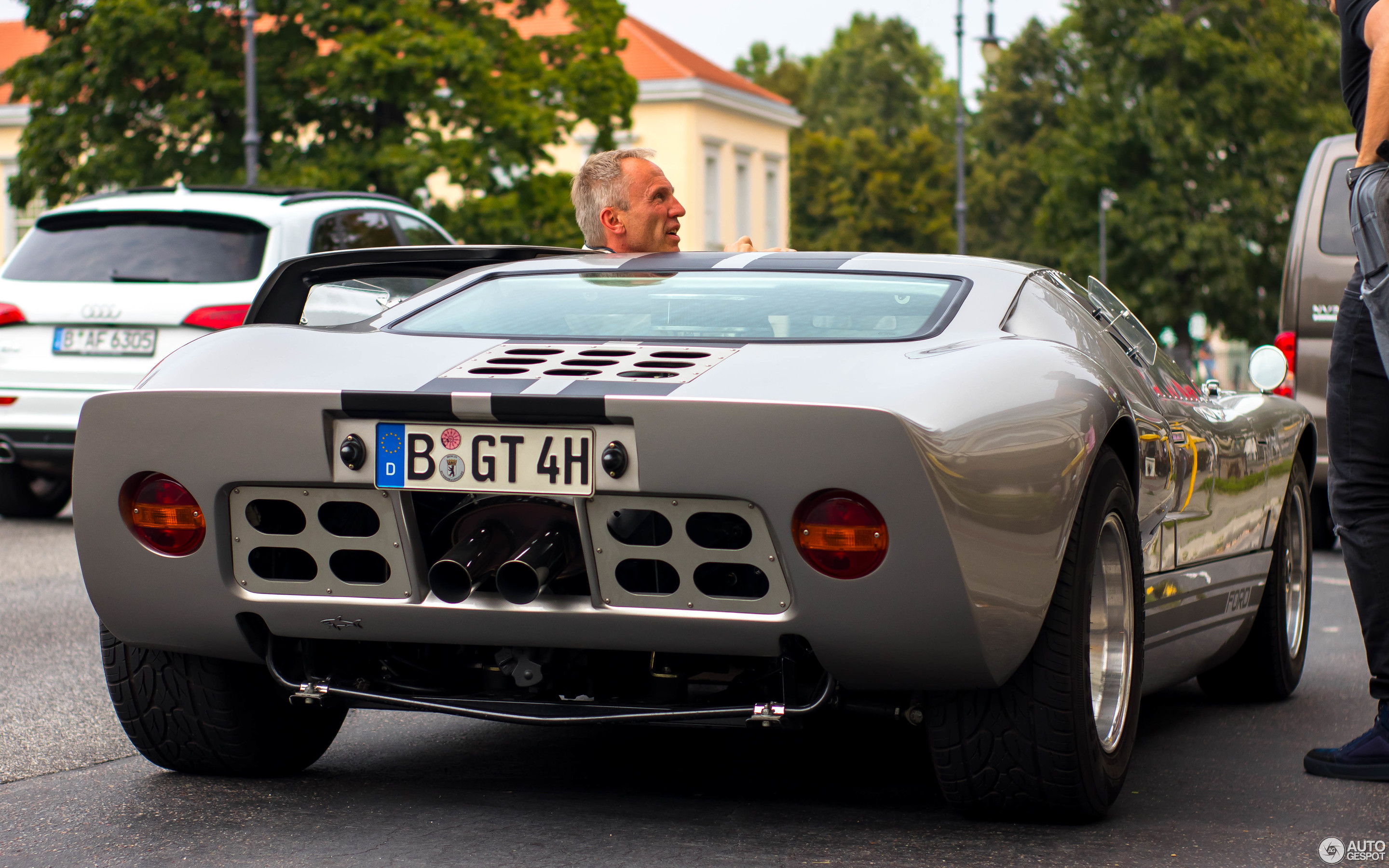 Ford GT 40 - 26 August 2017 - Auspot Ford Gt Zu Verkaufen on ford gt40 at le mans, ford gt40 mk3, ford gt40 red, ford focus, ford gt40 mark ii, ford gt40 concept, ford galaxie, ford mach 40, ford gtx1, ford gt90, ford pantera, ford cobra, ford gt40 mk1, ford daytona coupe, ford gt40 interior, ford gtr, ford gt40 top speed, ford mustang, ford thunderbird, ford raptor,