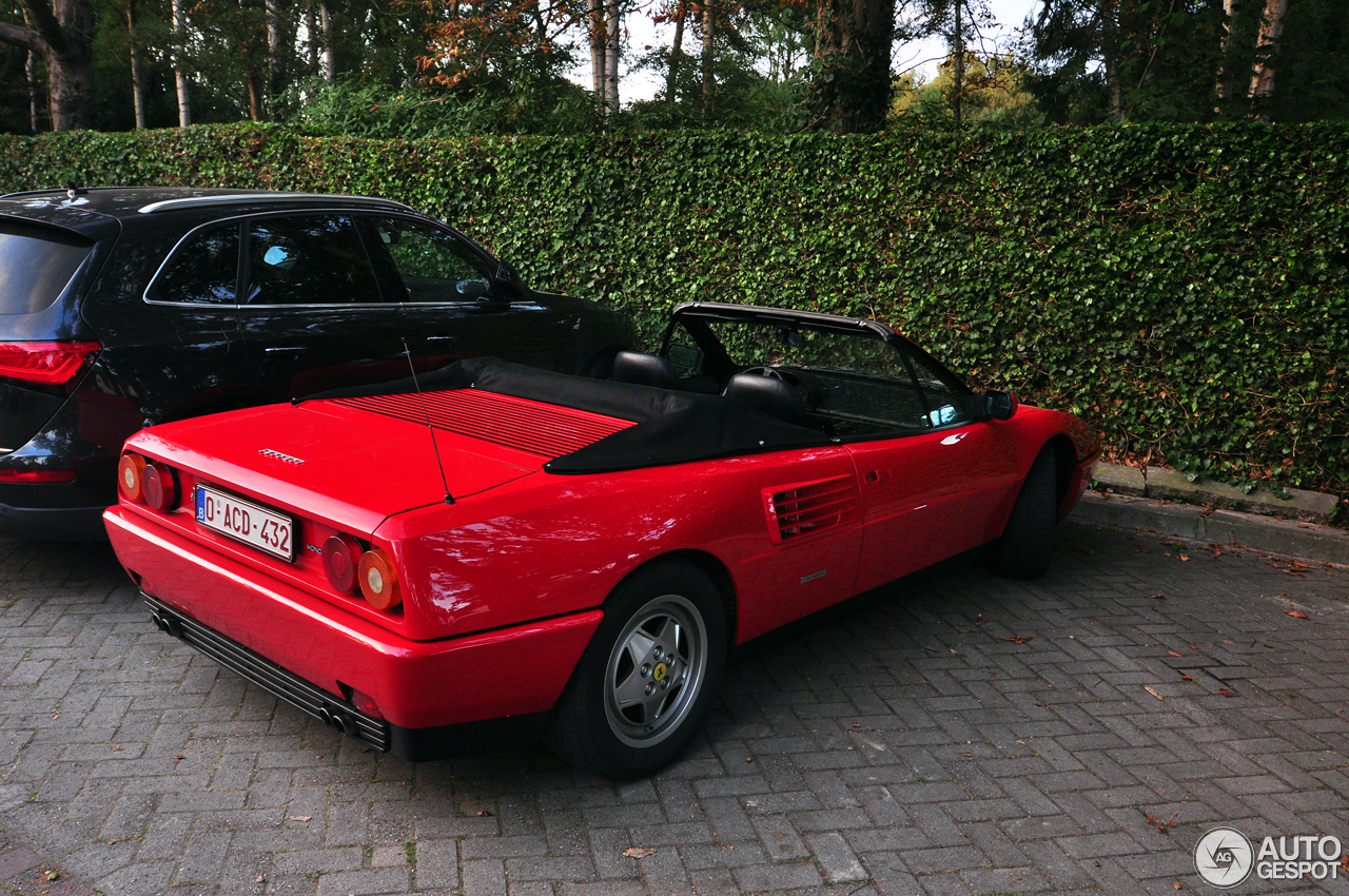 ferrari mondial t cabriolet 27 augustus 2017 autogespot. Black Bedroom Furniture Sets. Home Design Ideas