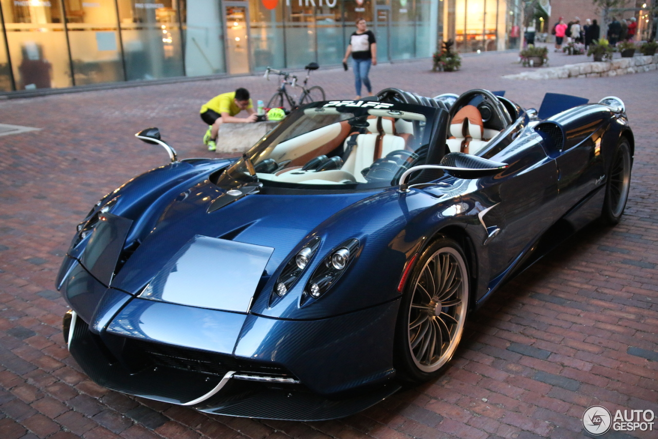 pagani huayra roadster 1 september 2017 autogespot. Black Bedroom Furniture Sets. Home Design Ideas