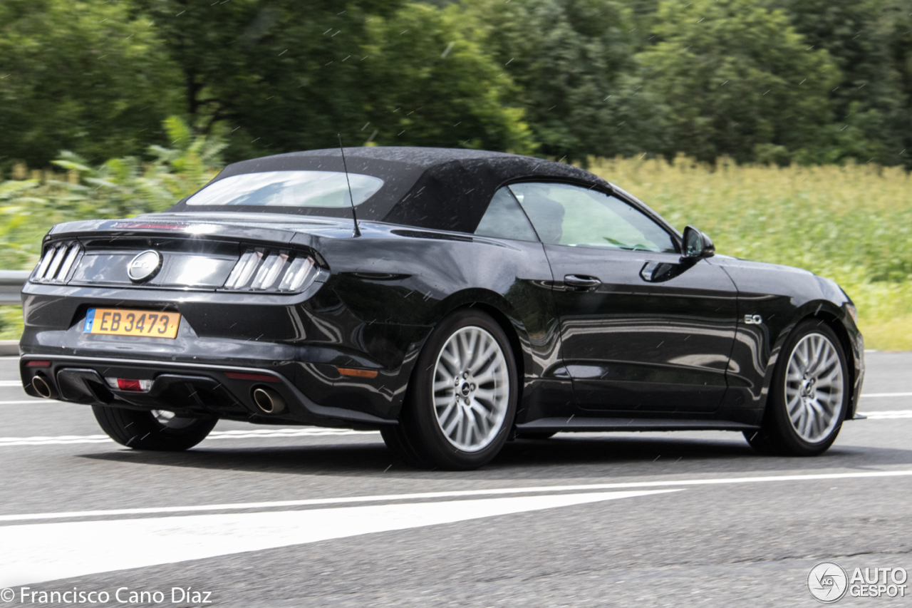 ford mustang gt convertible 2015 5 september 2017 autogespot. Black Bedroom Furniture Sets. Home Design Ideas