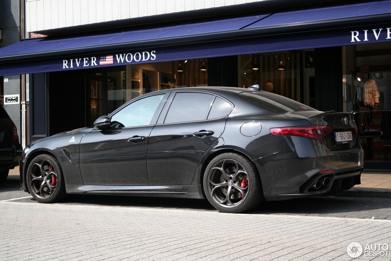 alfa romeo giulia quadrifoglio 6 september 2017 autogespot. Black Bedroom Furniture Sets. Home Design Ideas