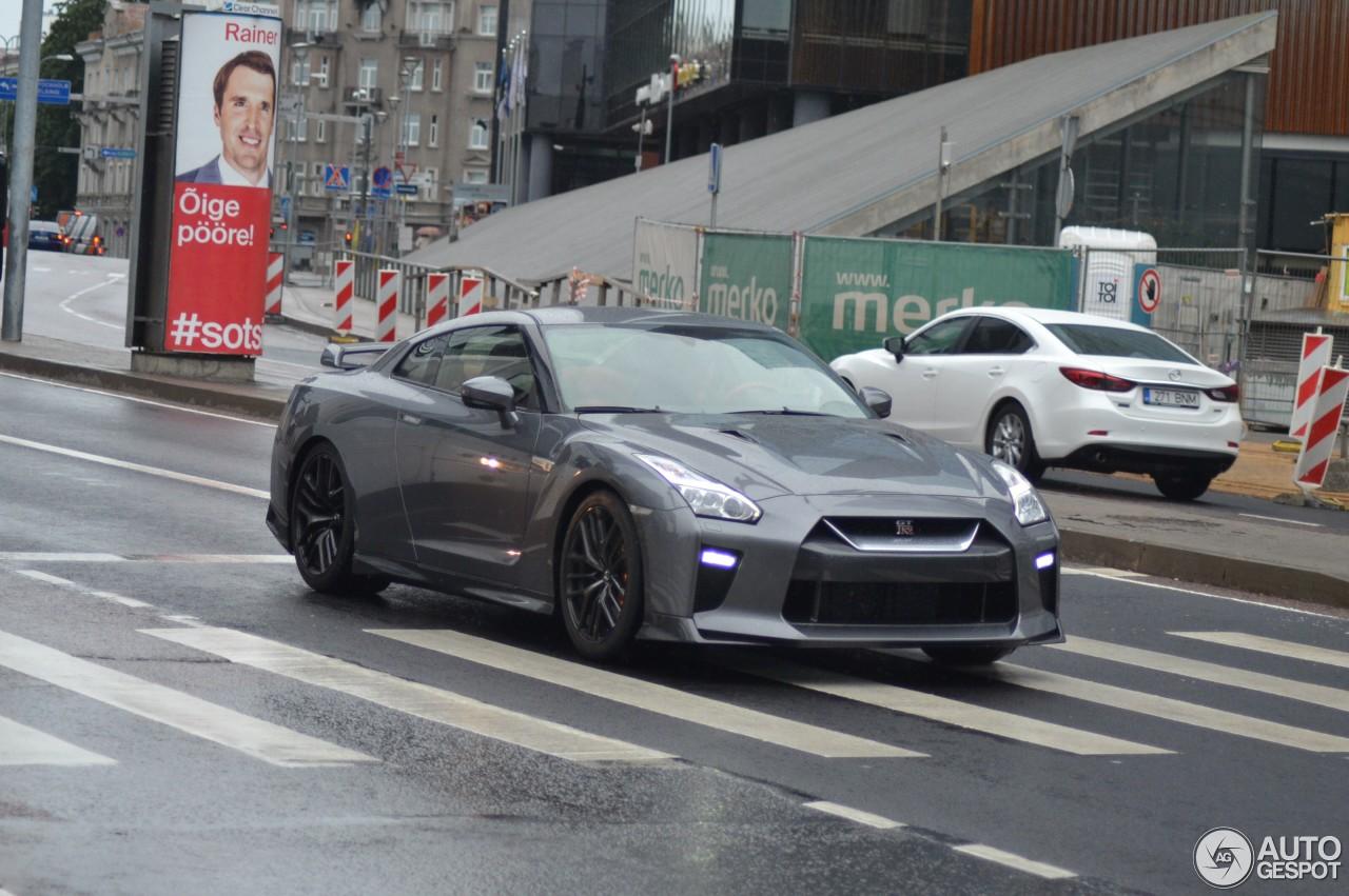 Nissan GT-R 2017 3