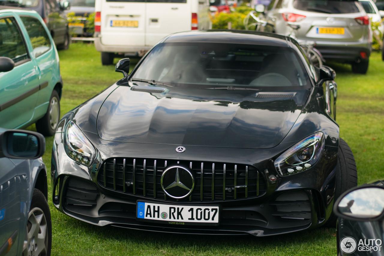 Mercedes-AMG GT R 1