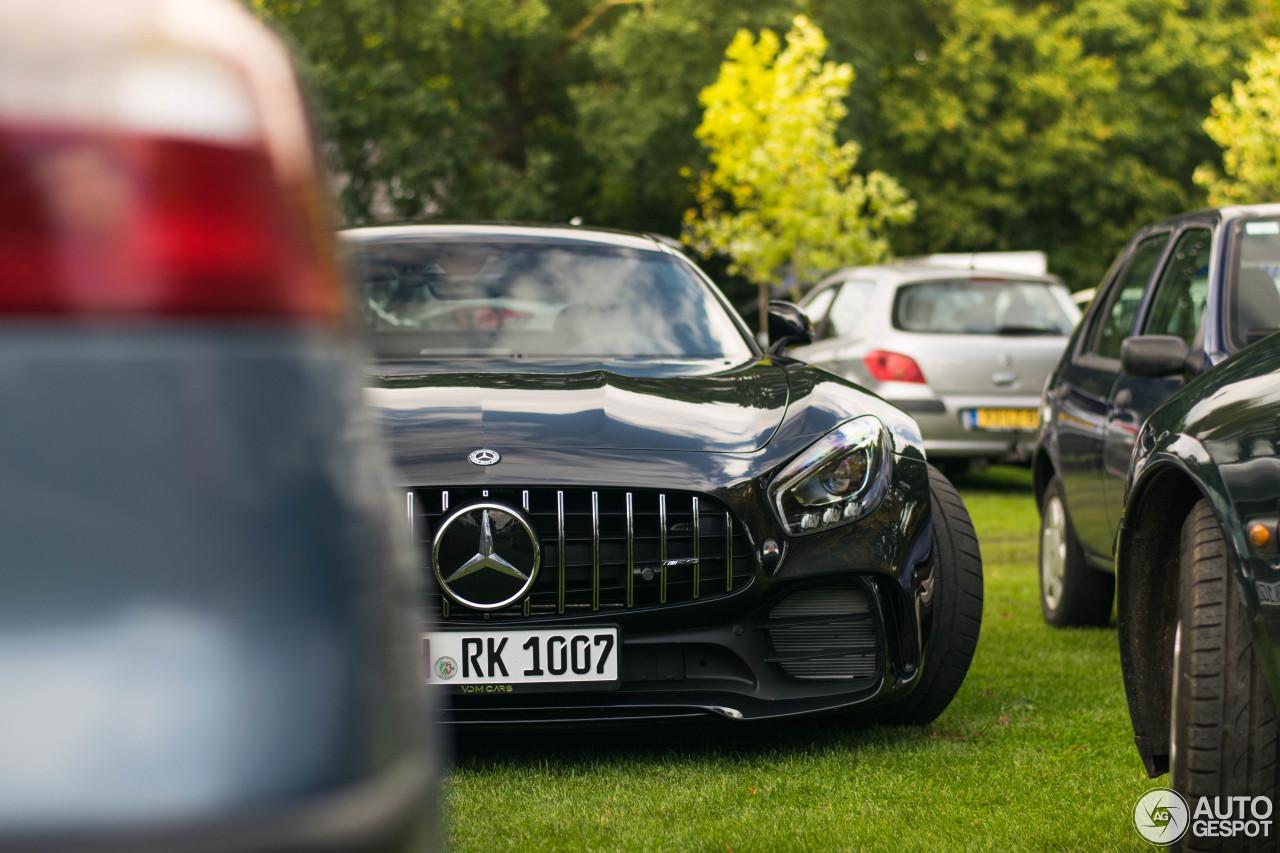 Mercedes-AMG GT R 4