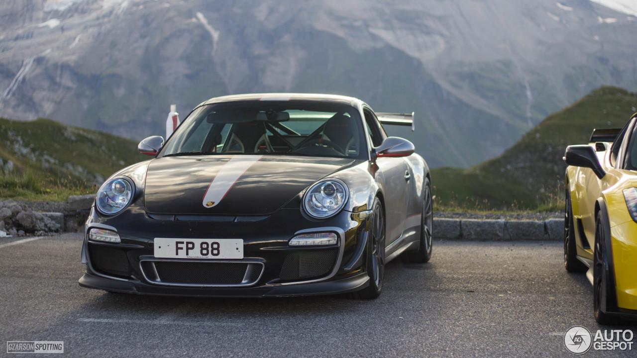 Porsche 997 GT3 RS 4.0 3