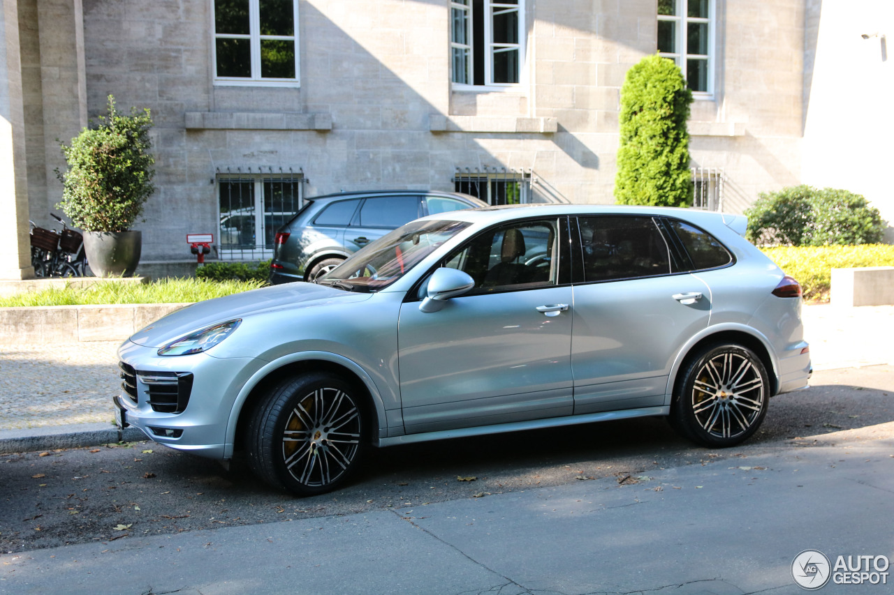 porsche 958 cayenne turbo s mkii 16 september 2017 autogespot. Black Bedroom Furniture Sets. Home Design Ideas