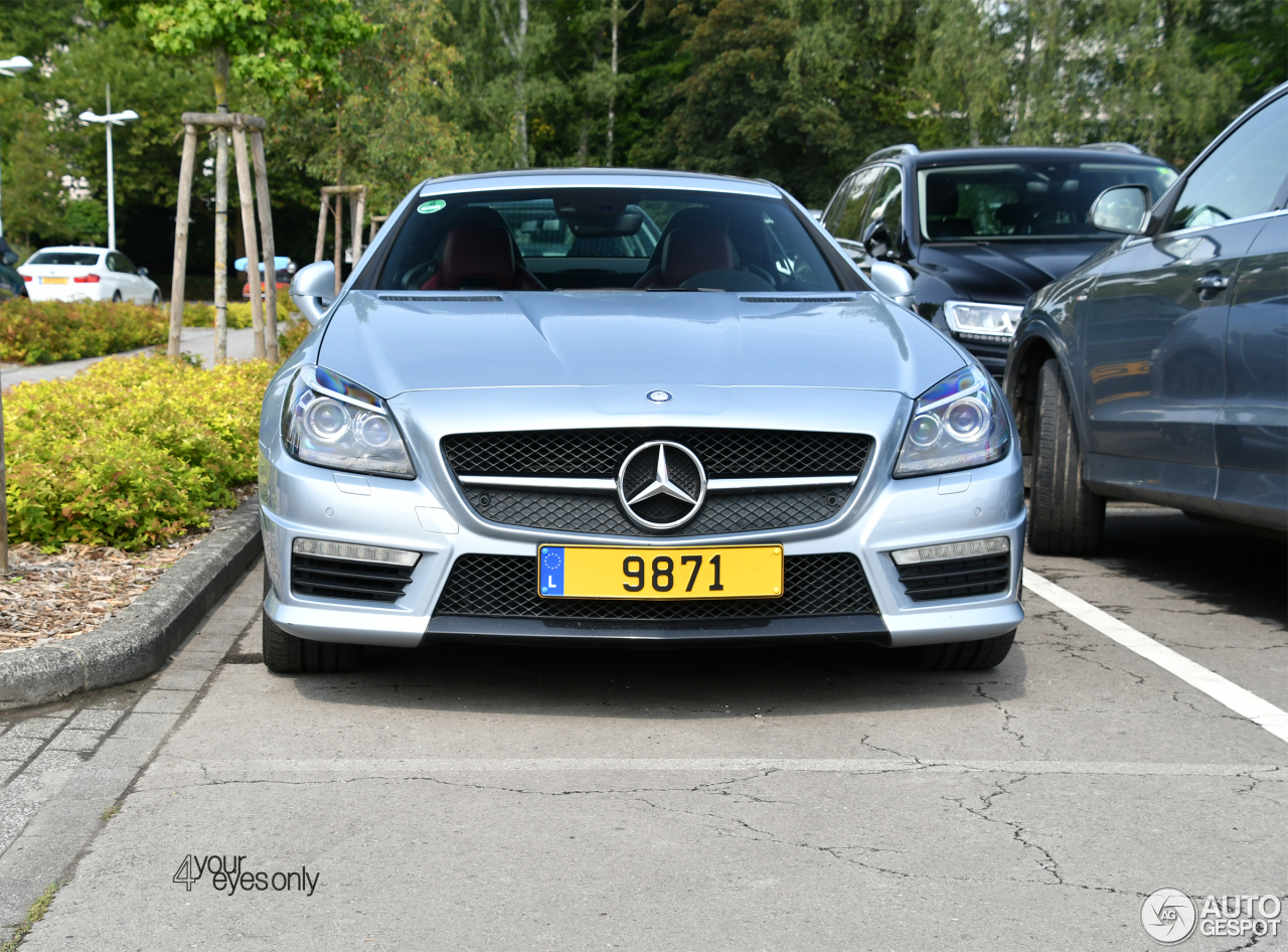 Mercedes benz slk 55 amg r172 23 september 2017 autogespot for Mercedes benz slk amg 2017