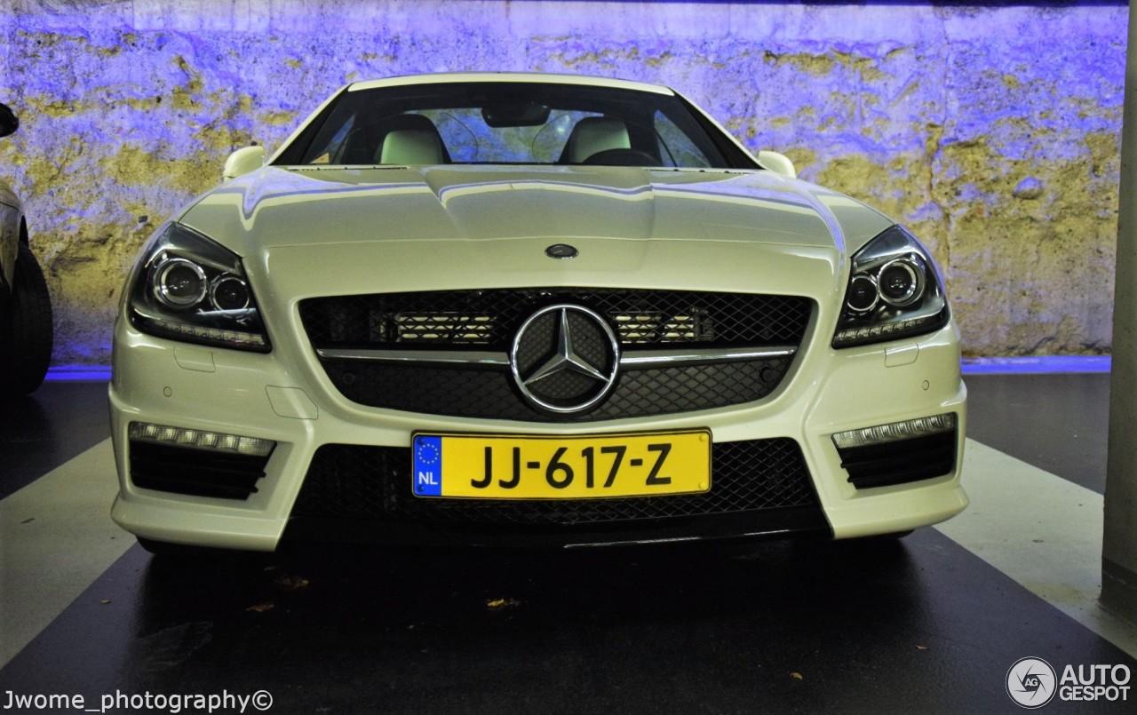 Mercedes benz slk 55 amg r172 29 september 2017 autogespot for Mercedes benz slk amg 2017