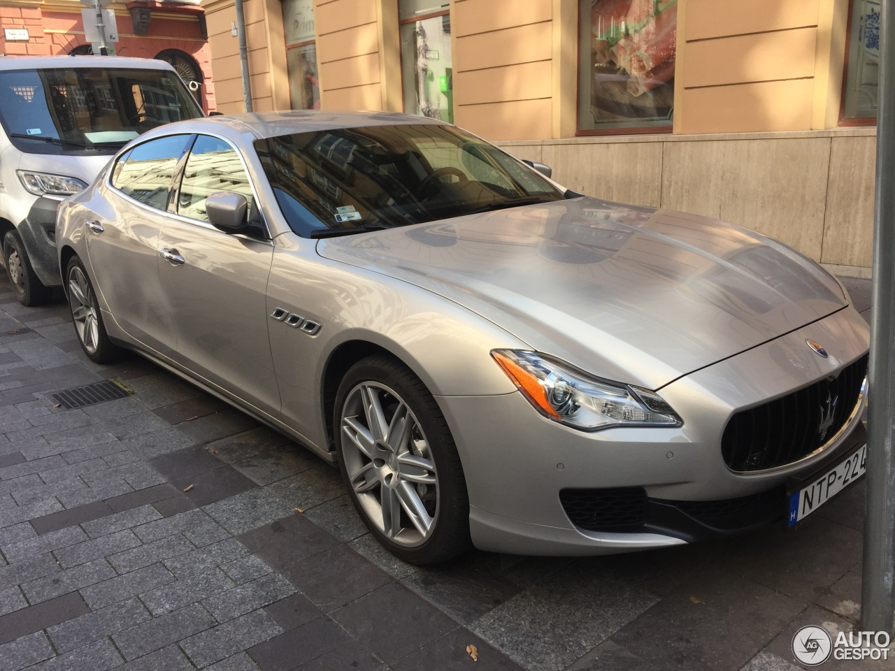 maserati quattroporte s q4 2013 2 october 2017 autogespot. Black Bedroom Furniture Sets. Home Design Ideas