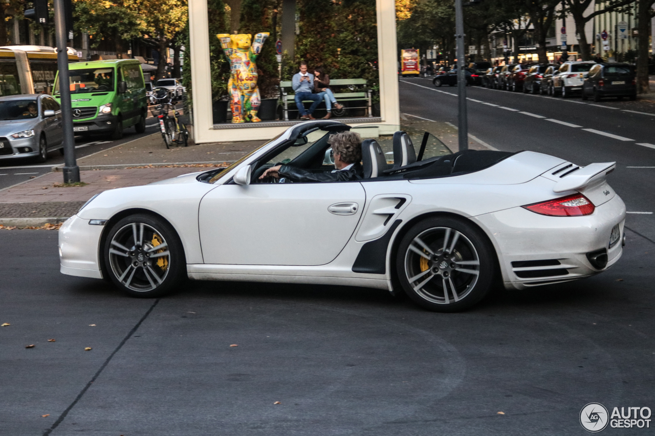 porsche 997 turbo cabriolet mkii 2 october 2017 autogespot. Black Bedroom Furniture Sets. Home Design Ideas