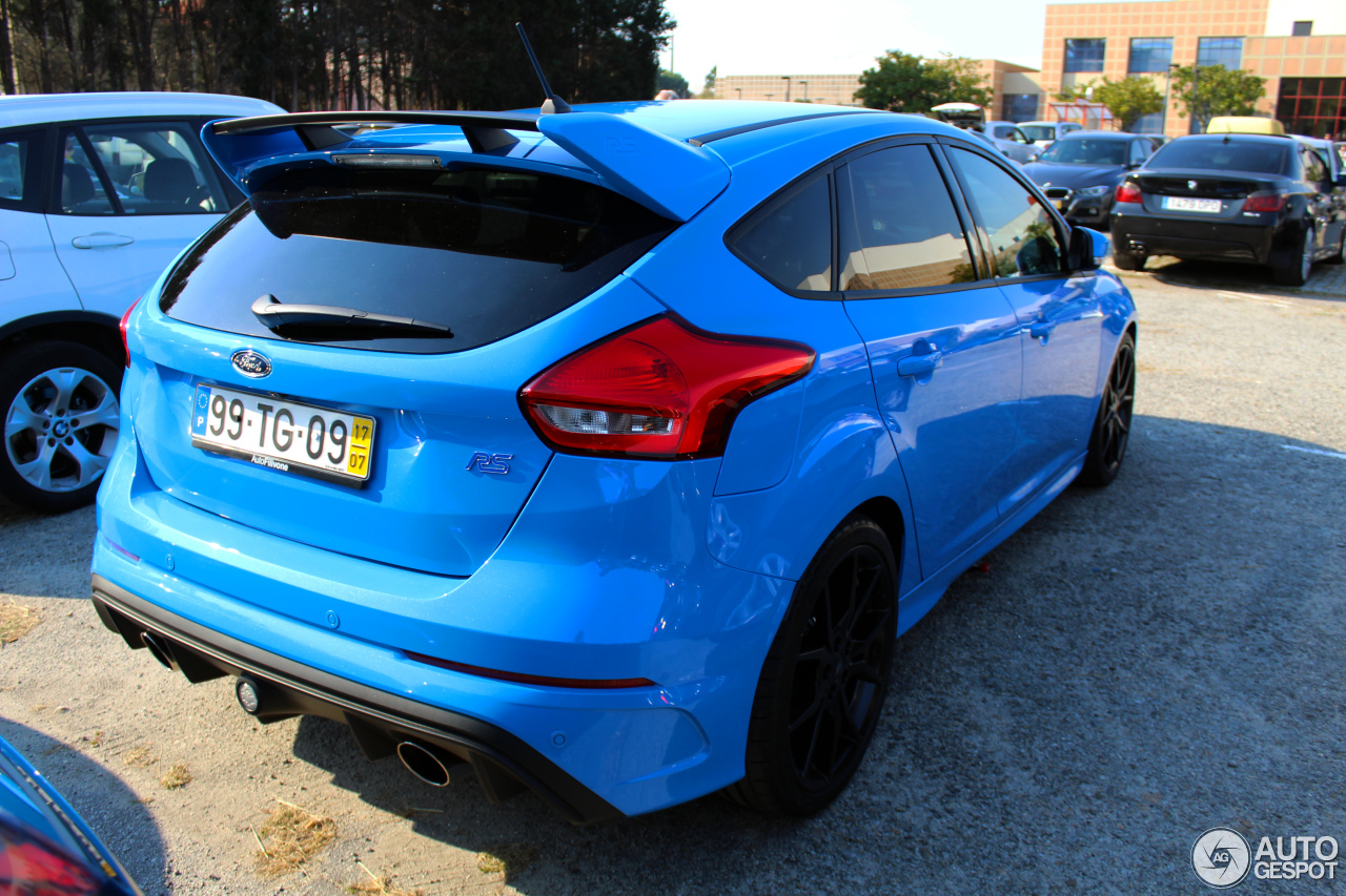 ford focus rs 2015 8 october 2017 autogespot. Black Bedroom Furniture Sets. Home Design Ideas
