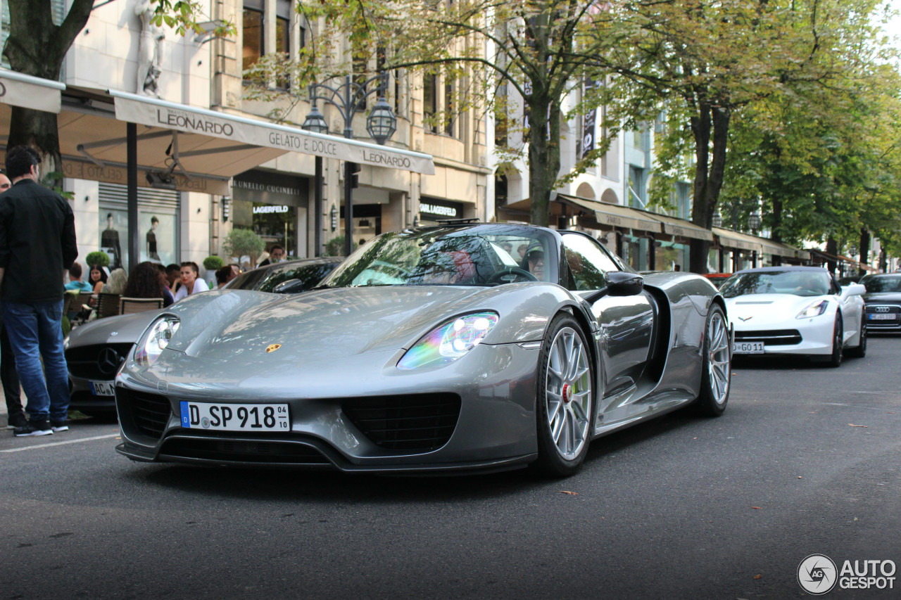 Porsche 918 Spyder Weissach Package 3