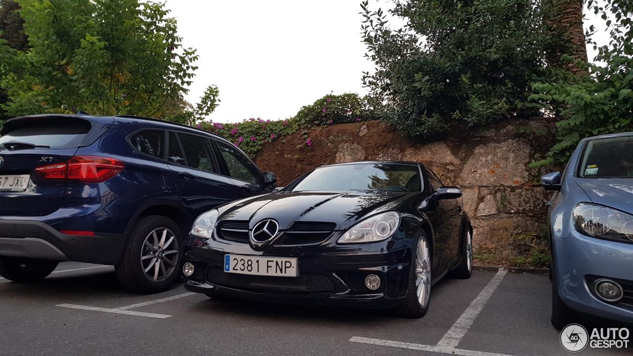 Mercedes benz slk 55 amg r171 19 october 2017 autogespot for Mercedes benz slk amg 2017