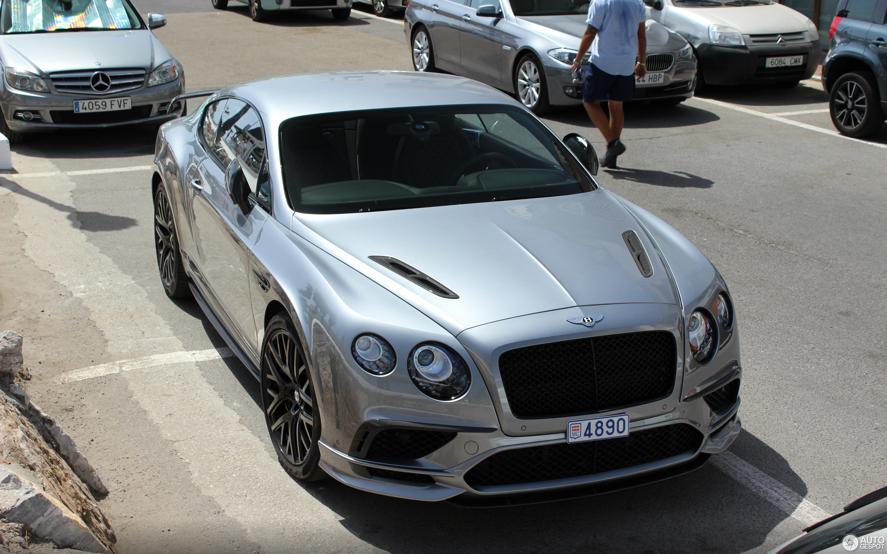 second bentley new race enters its continental car quarters three coupe features generation front news
