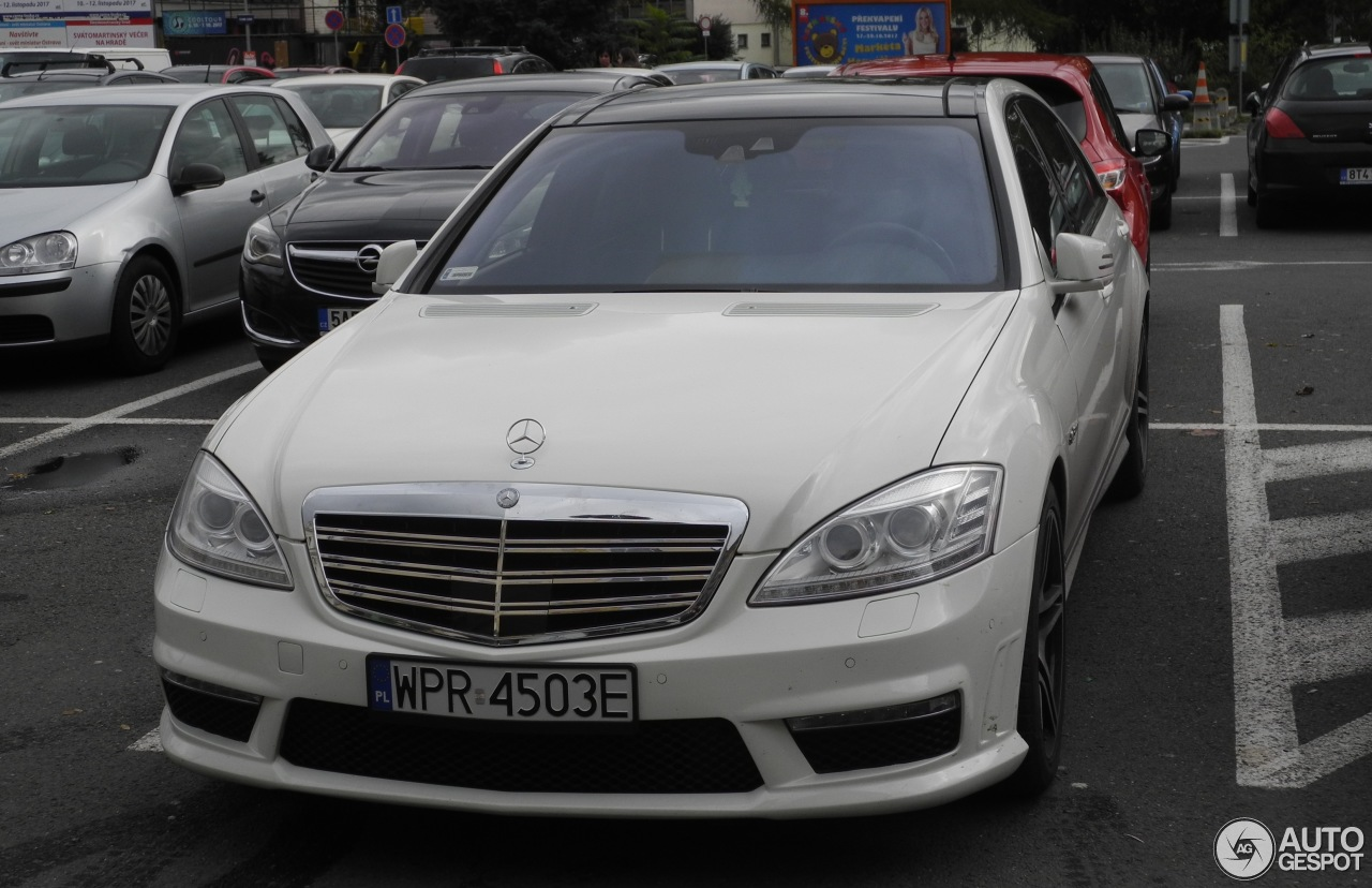 Mercedes benz s 63 amg w221 2010 31 october 2017 for Mercedes benz s63 amg 2010