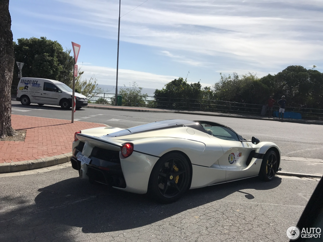 Ferrari South Bay >> Ferrari LaFerrari Aperta - 3 November 2017 - Autogespot