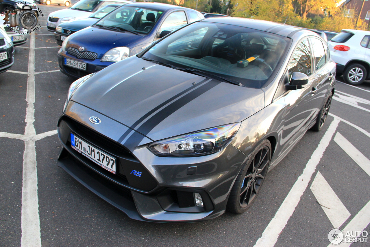 ford focus rs 2015 5 november 2017 autogespot. Black Bedroom Furniture Sets. Home Design Ideas