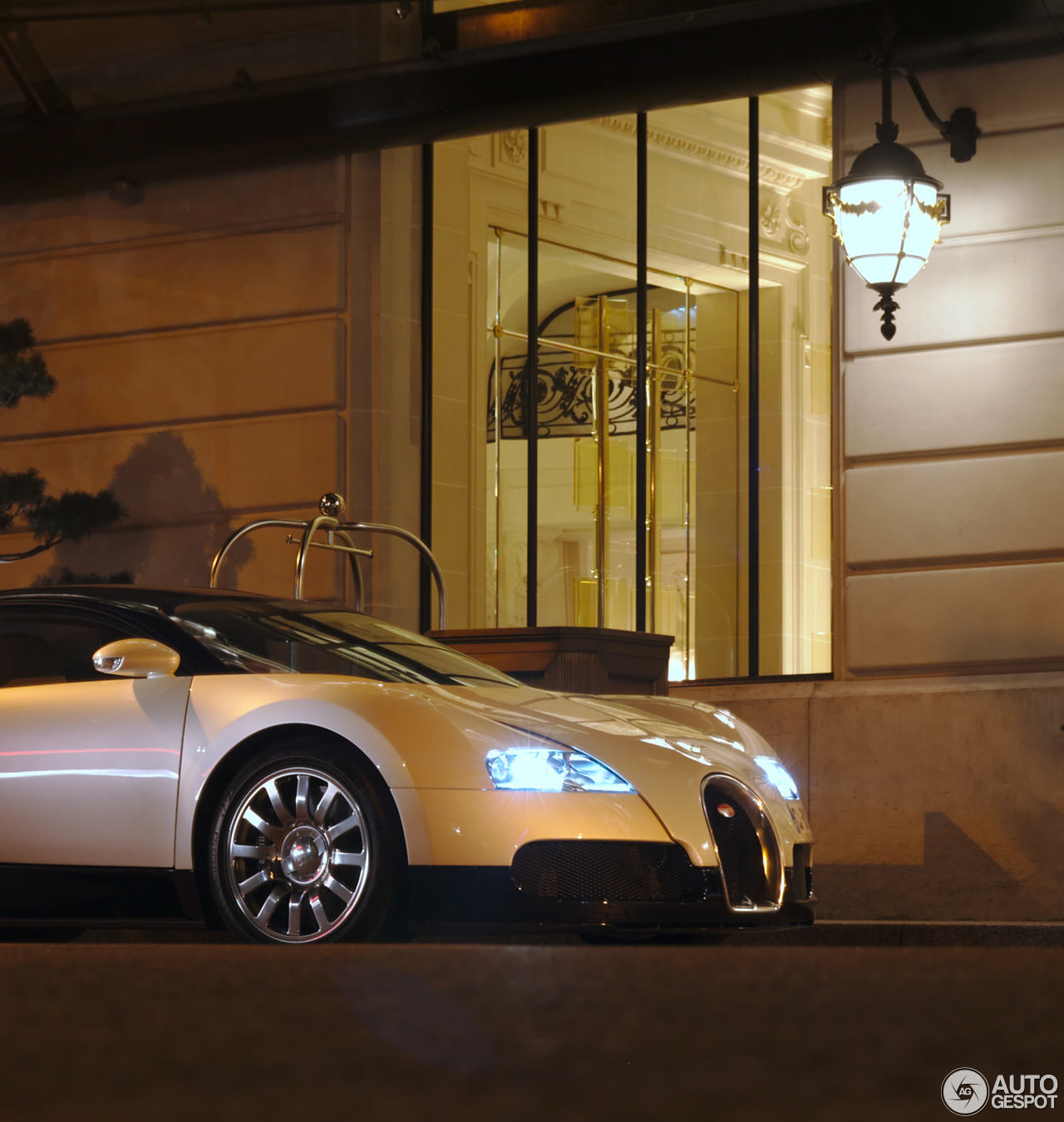 Bugatti Veyron Spoiler: Bugatti Veyron 16.4
