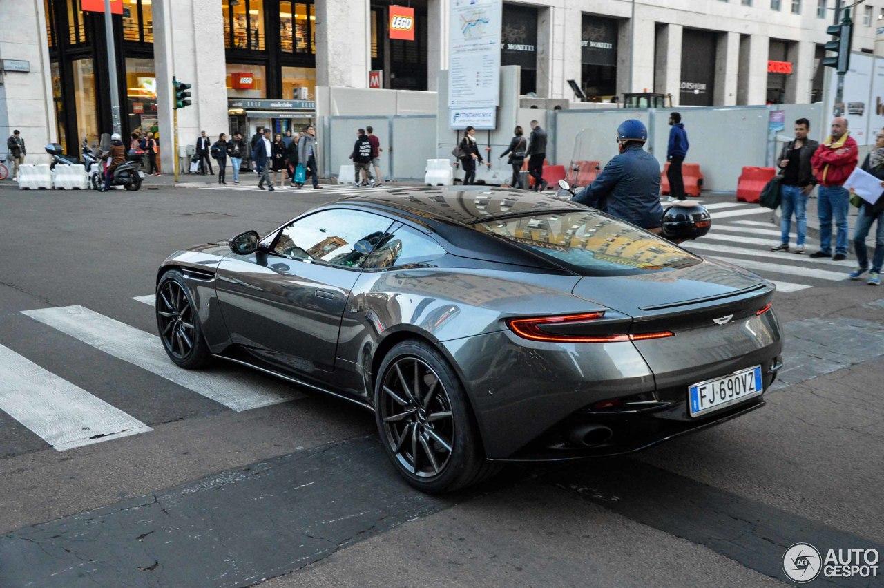 Aston Martin DB11 6