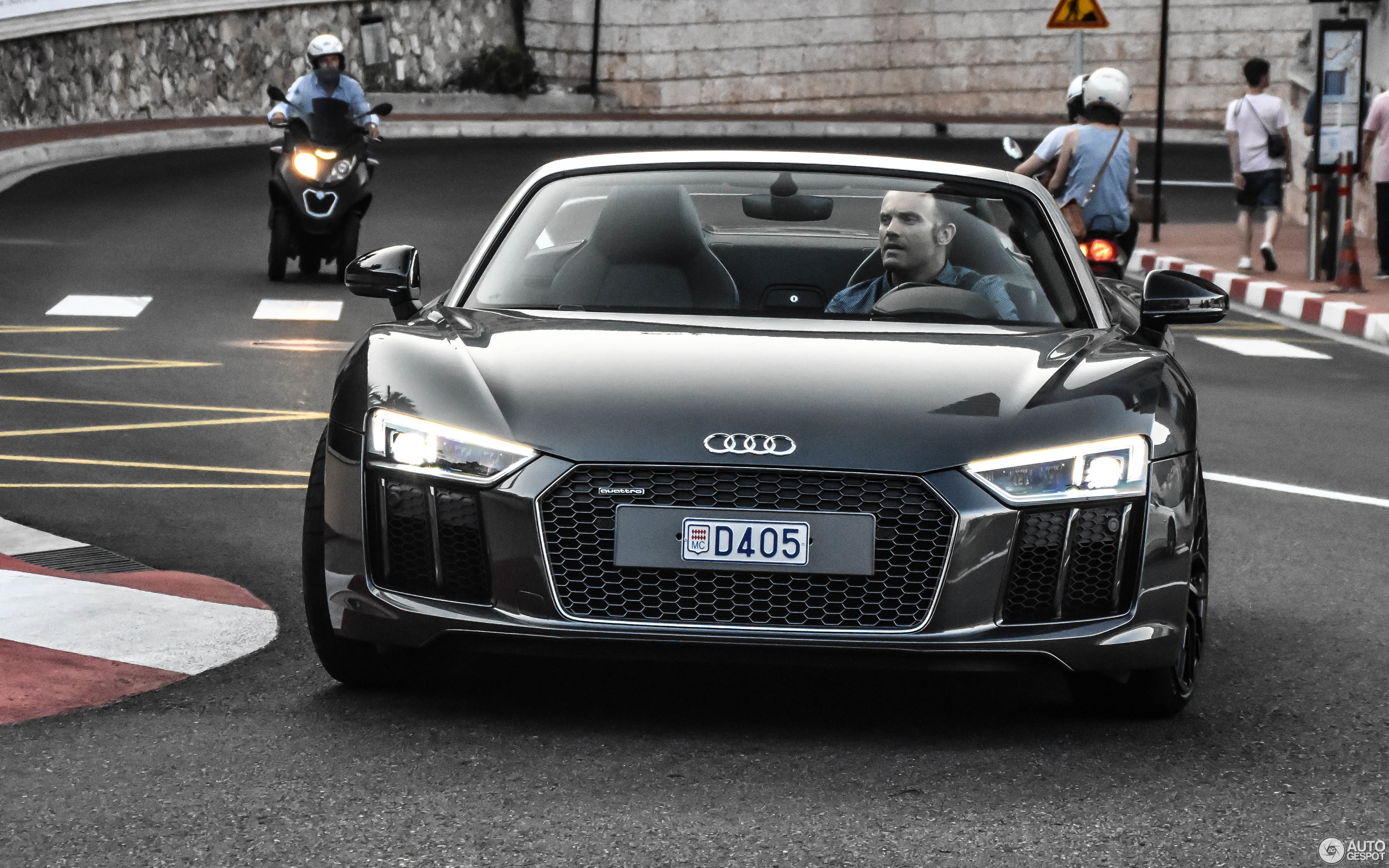 Audi R8 V10 Spyder 2016 24 November 2017 Autogespot