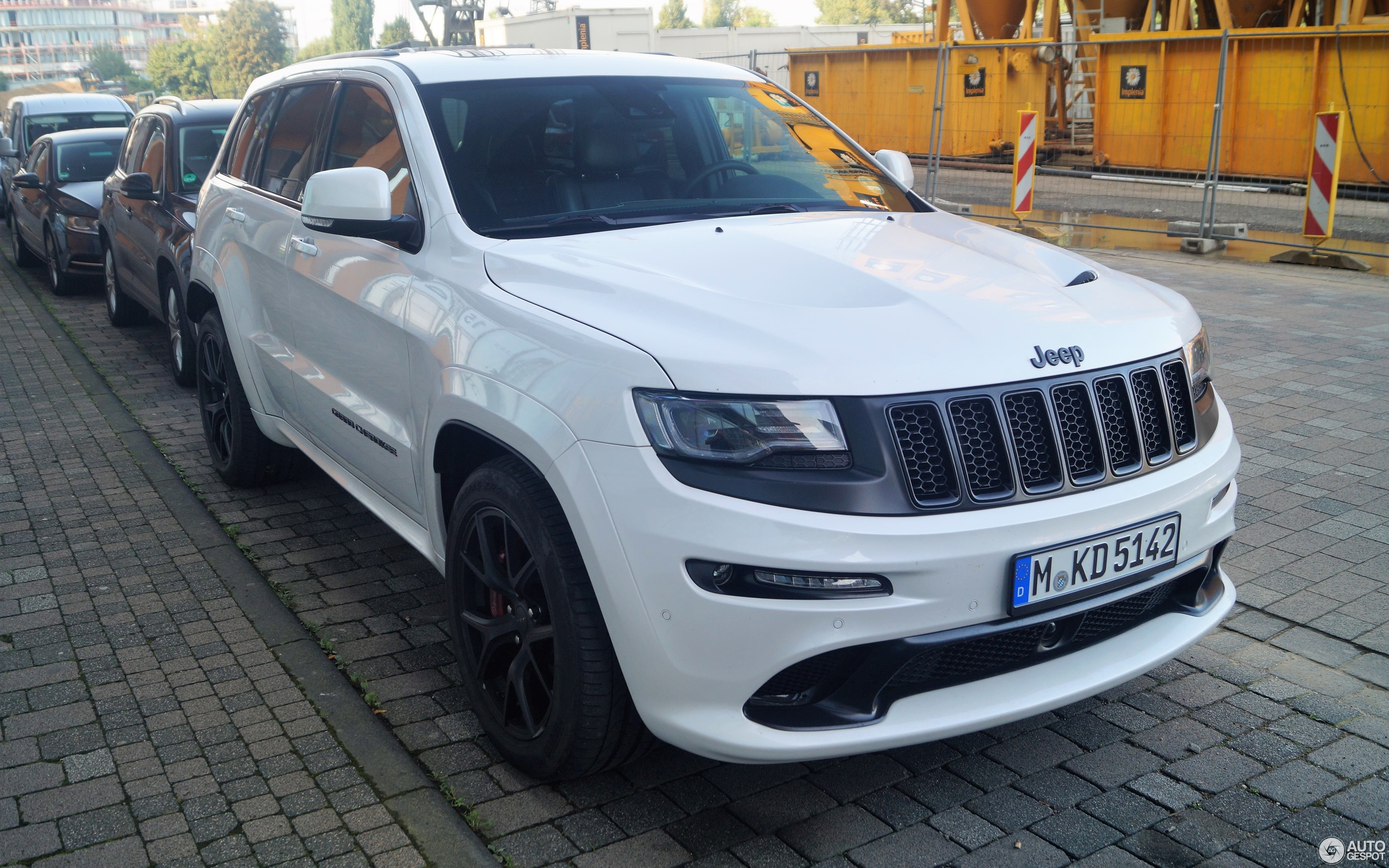 jeep grand cherokee srt 8 2016 night edition 26 november. Black Bedroom Furniture Sets. Home Design Ideas