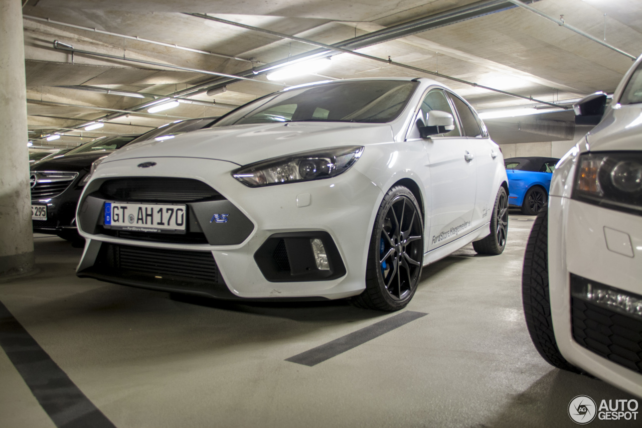ford focus rs 2015 4 december 2017 autogespot. Black Bedroom Furniture Sets. Home Design Ideas