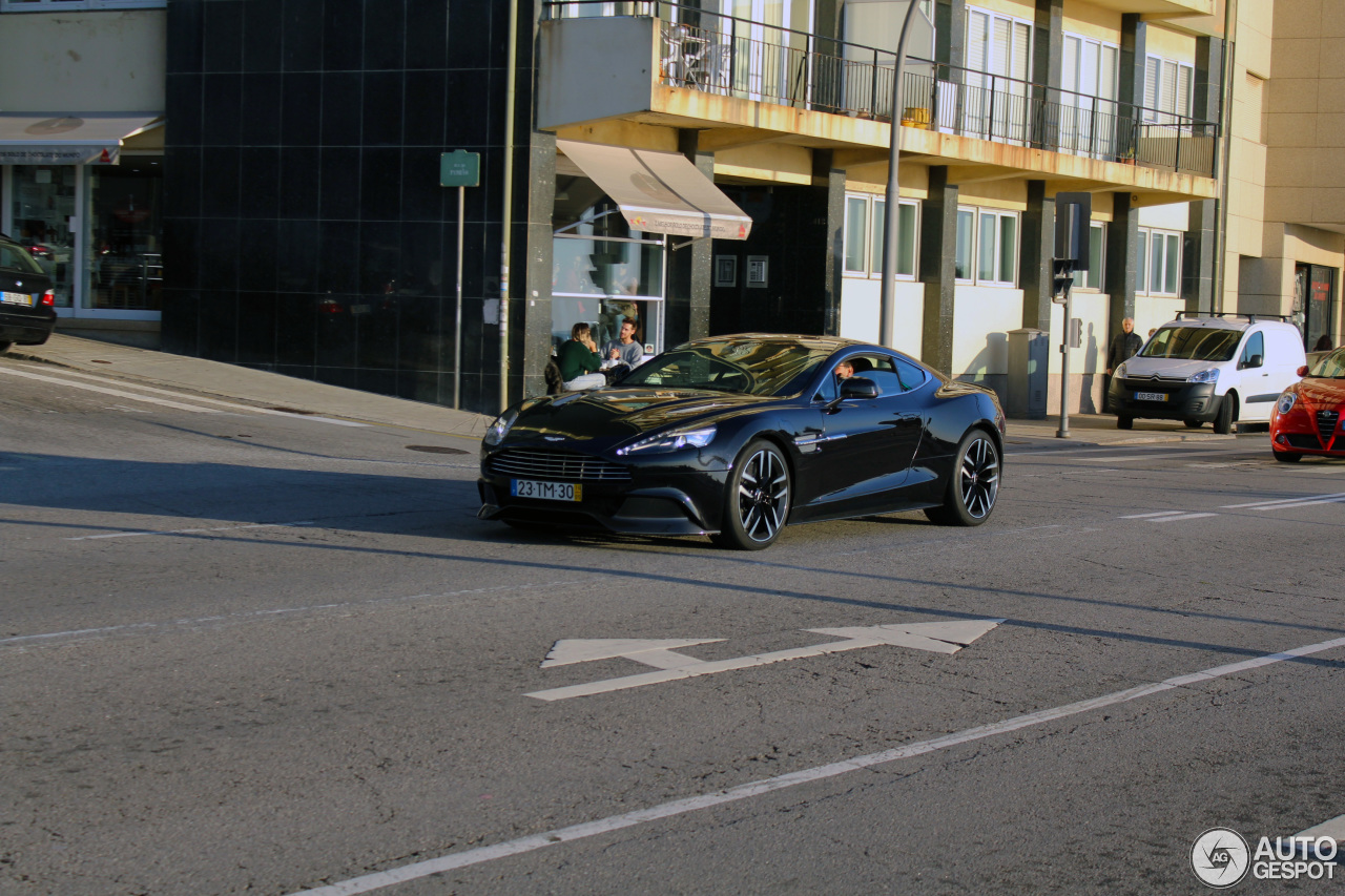 Aston Martin Vanquish 2013 4