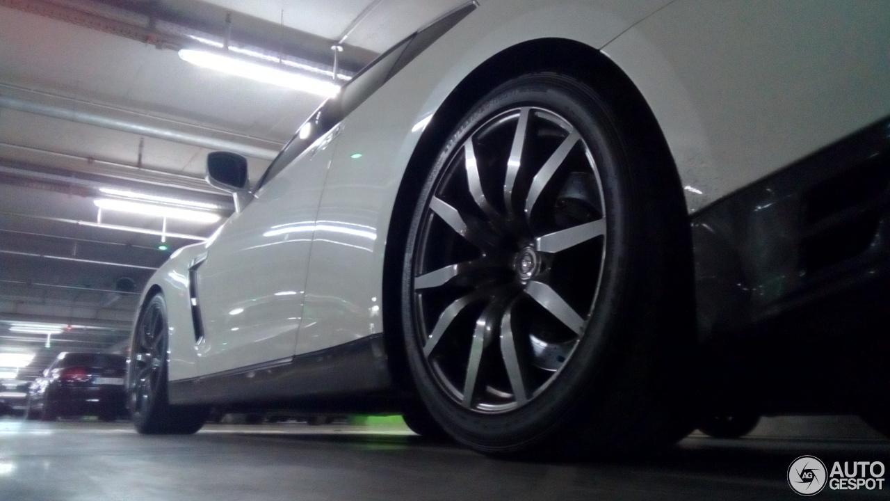 Nissan GT-R 2013 10