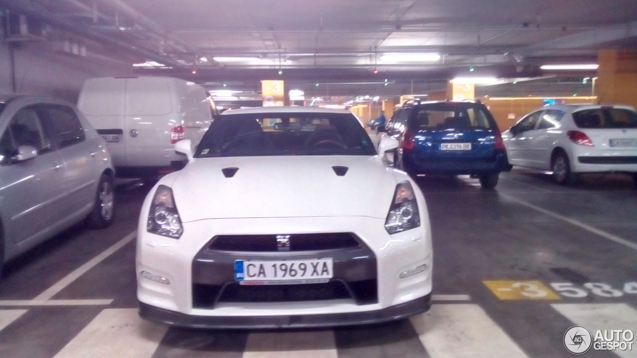 Nissan GT-R 2013 4