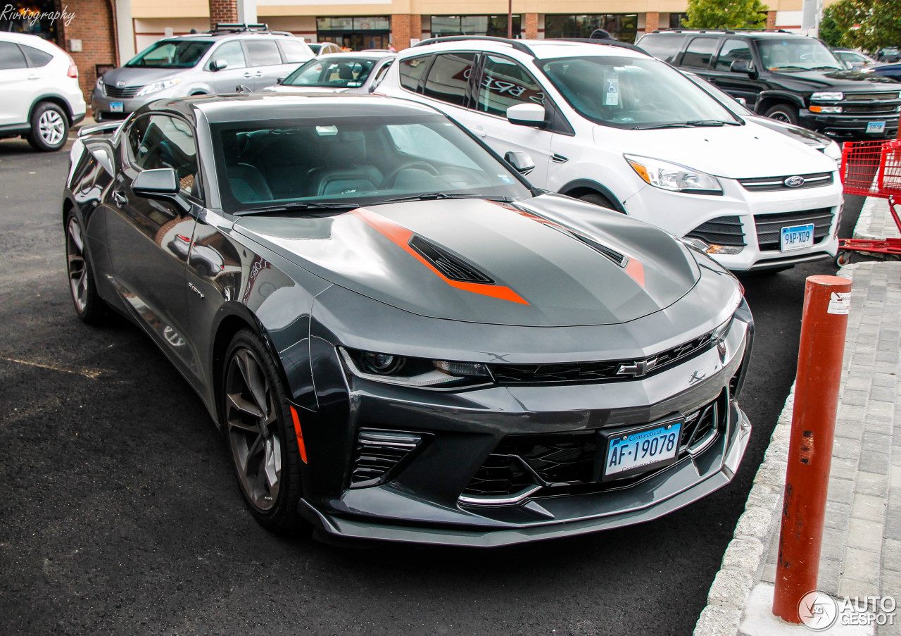 chevrolet camaro ss 2016 50th anniversary 10 dcembre 2017 autogespot. Black Bedroom Furniture Sets. Home Design Ideas