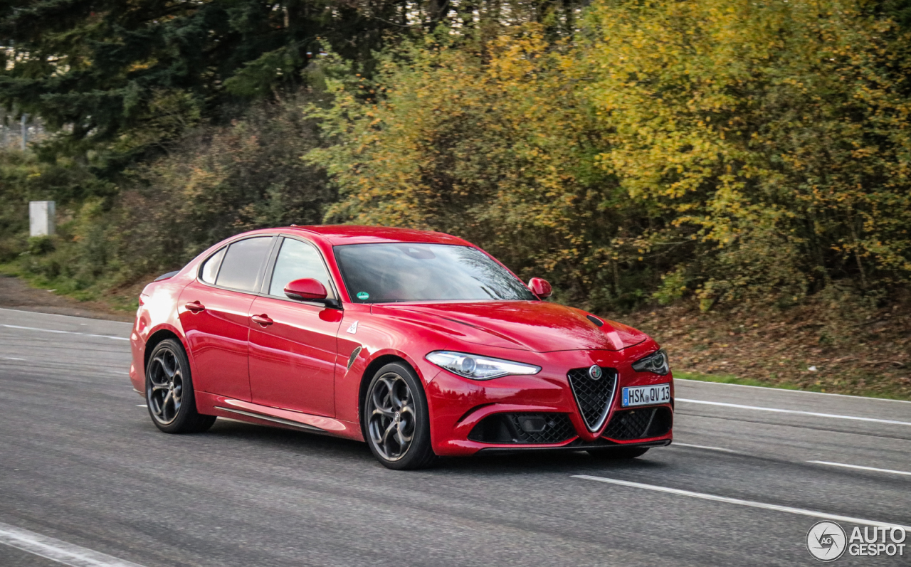 alfa romeo giulia quadrifoglio 11 december 2017 autogespot. Black Bedroom Furniture Sets. Home Design Ideas