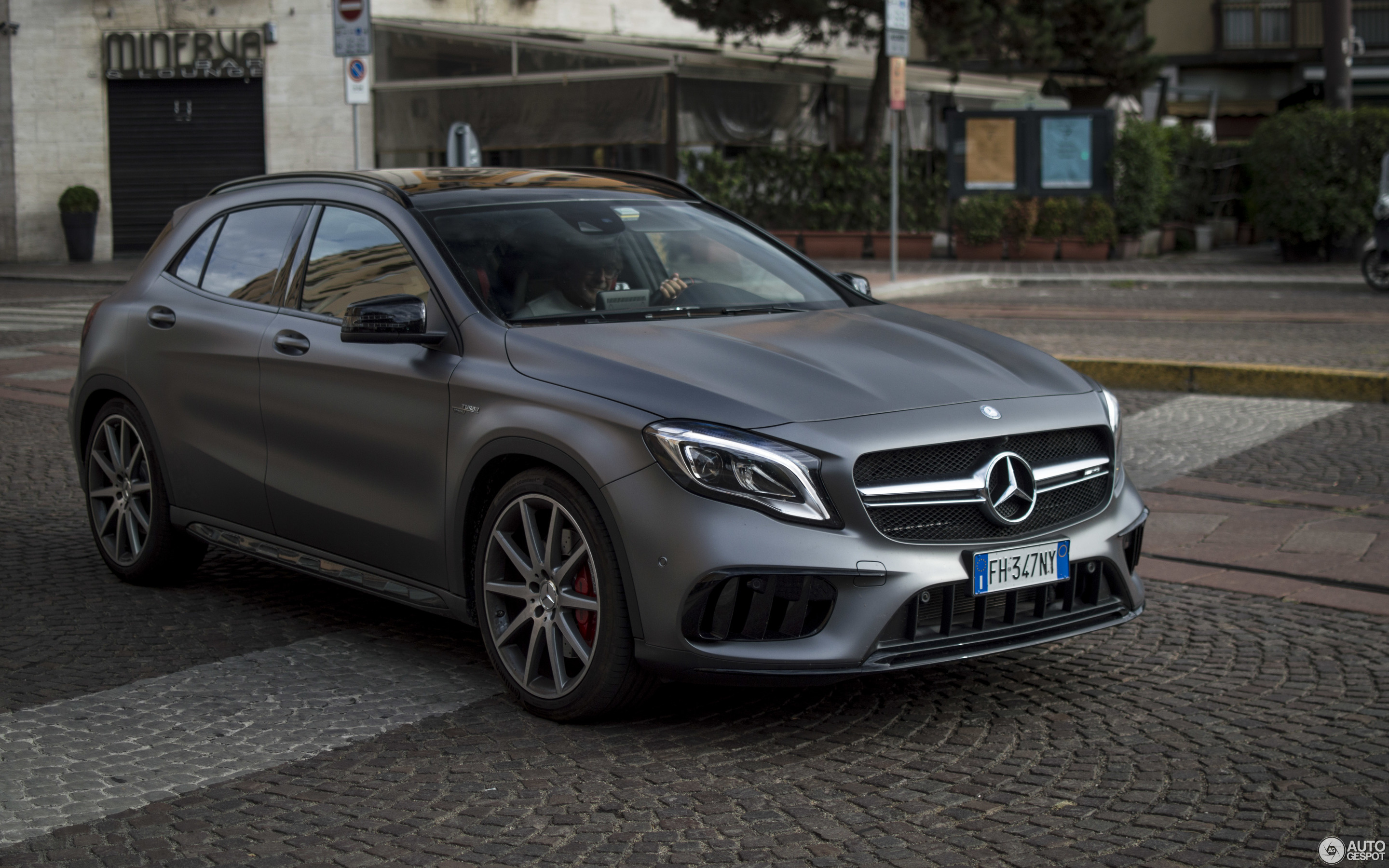 mercedes amg gla 45 x156 2017 17 december 2017 autogespot. Black Bedroom Furniture Sets. Home Design Ideas