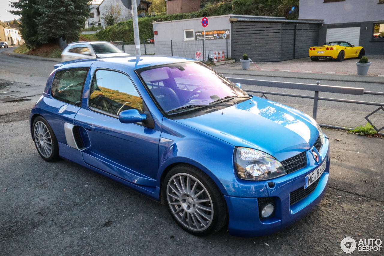 renault clio v6 phase ii 19 december 2017 autogespot. Black Bedroom Furniture Sets. Home Design Ideas