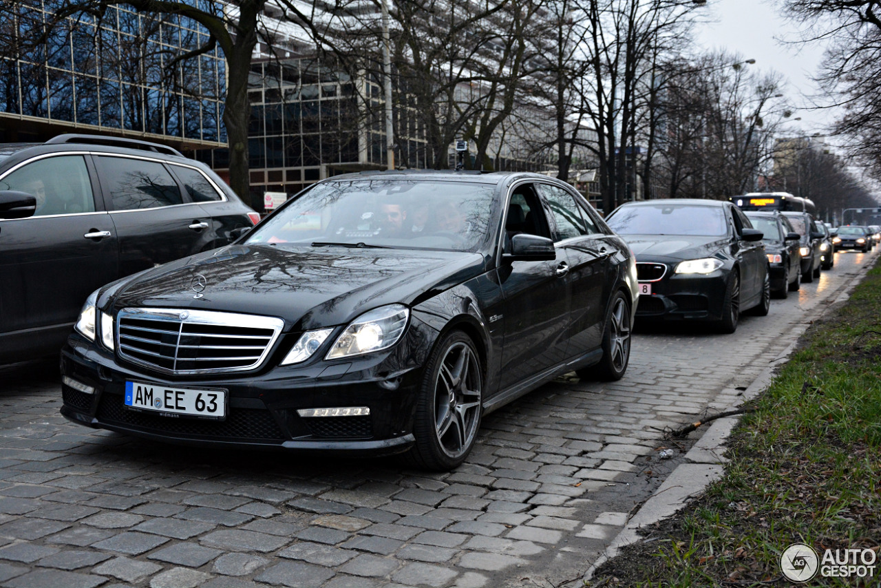 Mercedes benz e 63 amg w212 25 december 2017 autogespot for All types of mercedes benz cars