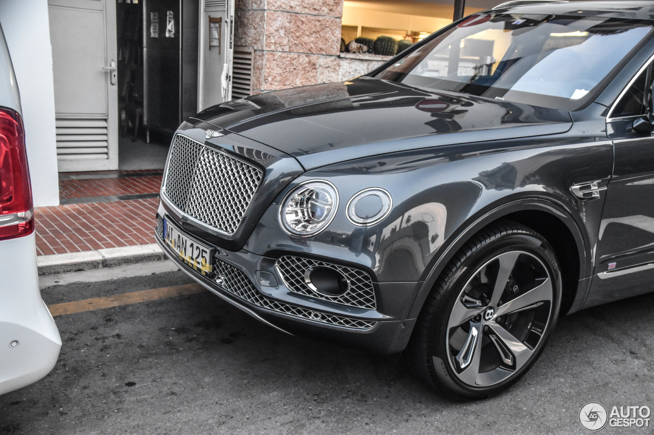 bentley bentayga first edition 27 december 2017 autogespot. Black Bedroom Furniture Sets. Home Design Ideas
