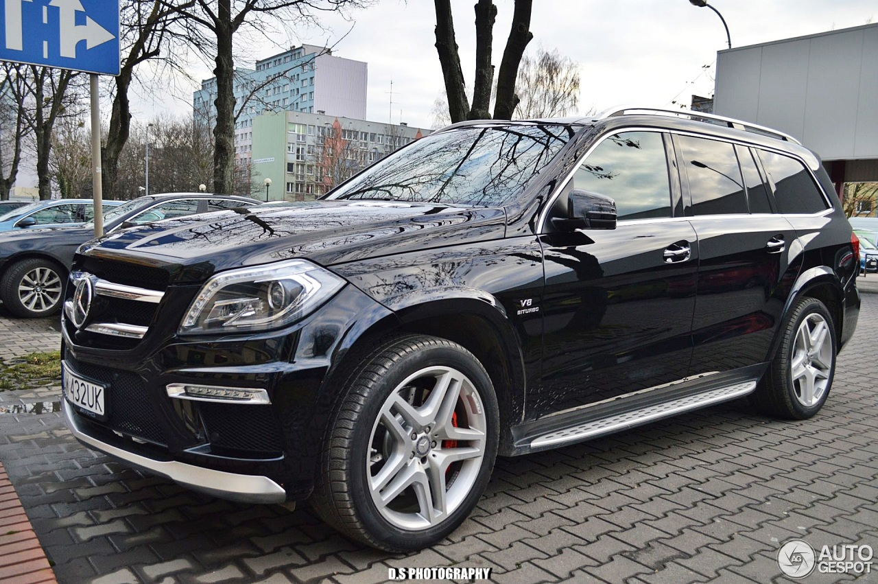 Mercedes benz gl 63 amg x166 29 december 2017 autogespot for 2017 mercedes benz gl450